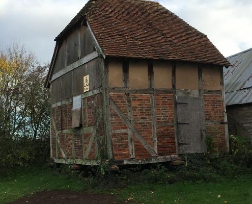 4 apple house granary